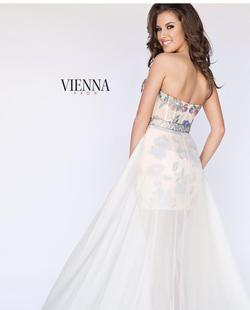 Venna Nude Size 2 Pattern Sequin Fun Fashion Cocktail Dress on Queenly