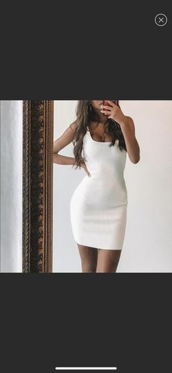 Princess Polly White Size 2 Straight Dress on Queenly