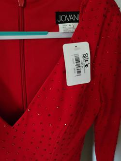 Jovani Red Size 6 V Neck Bodycon Cocktail Dress on Queenly