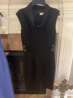 Calvin Clein Black Size 2 Gold Belt Cocktail Dress on Queenly