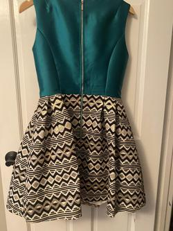 Mac Duggal Multicolor Size 6 Pattern Cocktail Dress on Queenly