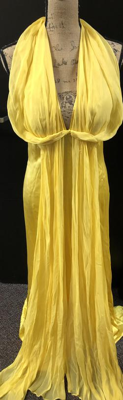 Yellow Size 6 Straight Dress on Queenly