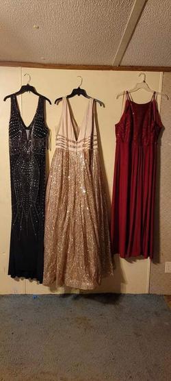 Camille La Vie Multicolor Size 18 Prom Train Dress on Queenly