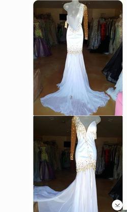 Prima Donna White Size 4 Train Plunge Mermaid Side slit Dress on Queenly