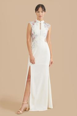 Style marilyn East Meets Dress White Size 12 Cap Sleeve Sheer Plunge Side slit Dress on Queenly