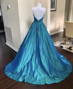 Jovani - Silk Green Size 4 Sweetheart Straight Dress on Queenly