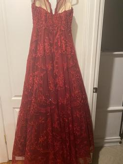 Ellie Wilde Red Size 10 Tulle Plunge Spaghetti Strap Halter Ball gown on Queenly