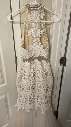 Blush White Size 0 Mermaid Dress on Queenly