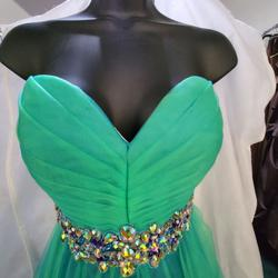 Style E40041 Josh and Jazz Green Size 4 Sweetheart Cocktail Dress on Queenly