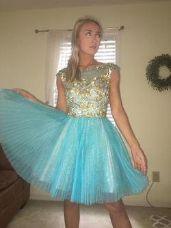 Sherri Hill Blue Size 0 Gold Cocktail Dress on Queenly