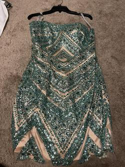 Sherri Hill Green Size 10 Homecoming Fitted Cocktail Dress on Queenly
