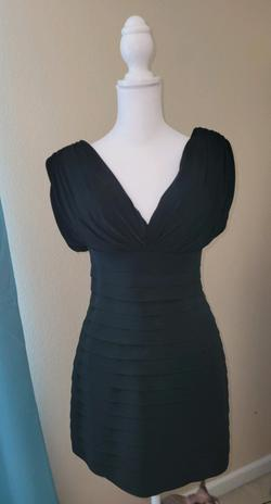 Sherri Hill Black Size 6 Cap Sleeve V Neck Fitted Cocktail Dress on Queenly