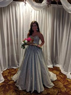 Sherry Hill Gold Size 6 Pageant Sweetheart Ball gown on Queenly