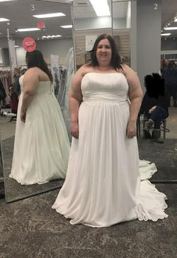David's Bridal White Size 26 Tulle A-line Dress on Queenly