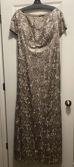 La femme Nude Size 16 Straight Dress on Queenly