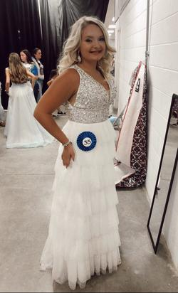 Elisha Hill: division of Sherri Hill White Size 14 Prom Pageant Train Straight Dress on Queenly