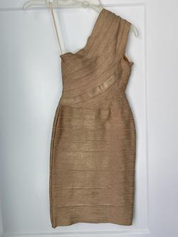 Mac Duggal Gold Size 2 One Shoulder Cocktail Dress on Queenly