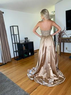Sherri Hill Gold Size 4 Train Dress on Queenly