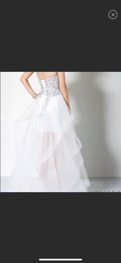 Jovani White Size 2 Train Dress on Queenly