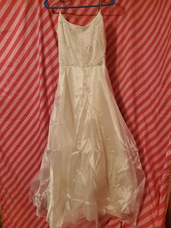 Dave & Johnny White Size 6 Dave And Johnny Spaghetti Strap Ball gown on Queenly