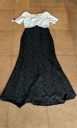 Tadashi Shoji Black Size 12 Plus Size Jersey Mermaid Dress on Queenly