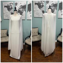 R&M Richards White Size 10 Jersey Train Dress on Queenly