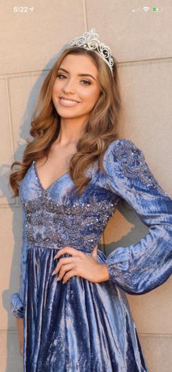 Sherri Hill Blue Size 0 Velvet Cocktail Dress on Queenly