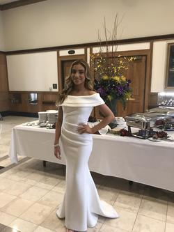 Jovani White Size 0 Mermaid Dress on Queenly