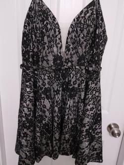 Luccilu Black Size 14 Prom Cocktail Dress on Queenly