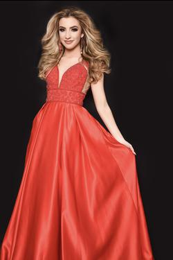 Vienna Red Size 2 Pageant A-line Dress on Queenly