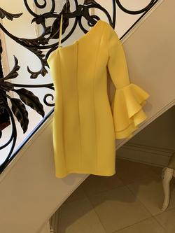 Jovani Yellow Size 0 Interview Cocktail Dress on Queenly