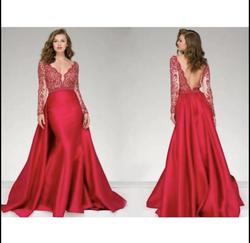 Jovani Red Size 6 Train Dress on Queenly