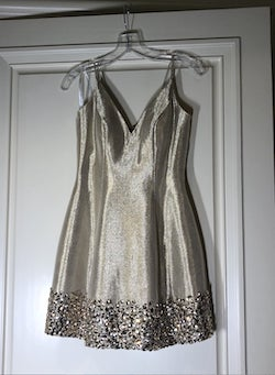 Sherri Hill Gold Size 0 Spaghetti Strap Jewelled Cocktail Dress on Queenly